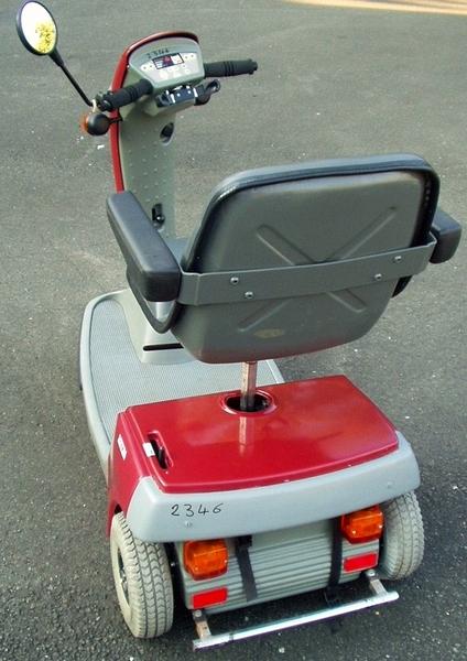 vente occasion berlin allemagne fauteuil roulant mobilette tricycle lectrique. Black Bedroom Furniture Sets. Home Design Ideas