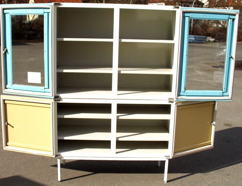 vente occasion berlin allemagne armoire armoire de. Black Bedroom Furniture Sets. Home Design Ideas
